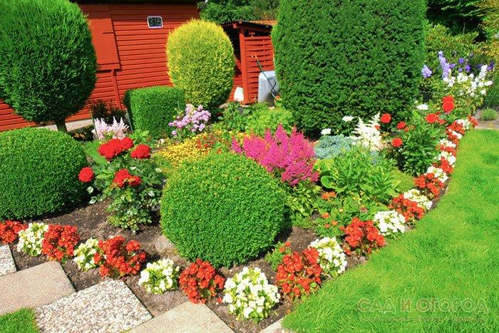 Красивый сад с клумбами своими руками